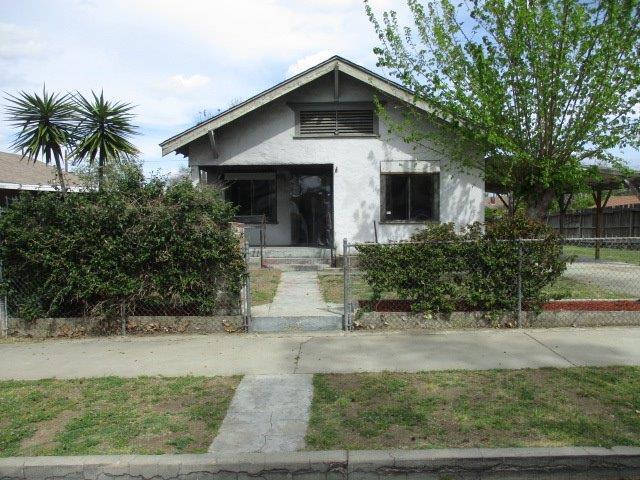 2969 E Washington Avenue, Fresno, CA 93701 (#521569) :: FresYes Realty