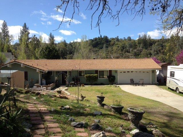 39549 Pierce Lake Drive, Oakhurst, CA 93622 (#521707) :: FresYes Realty