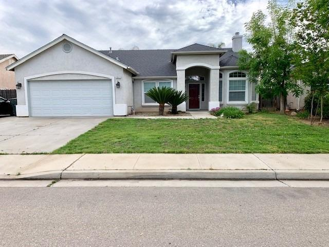 1911 Florence Avenue, Sanger, CA 93657 (#521777) :: FresYes Realty