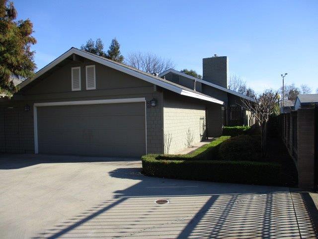 321 W Bullard Avenue #102, Fresno, CA 93704 (#522507) :: Realty Concepts