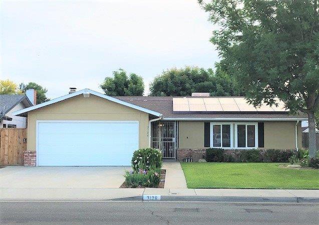 3126 Helm Avenue, Clovis, CA 93612 (#523431) :: FresYes Realty