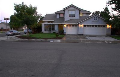 2164 Cromwell Avenue, Clovis, CA 93611 (#523610) :: Realty Concepts