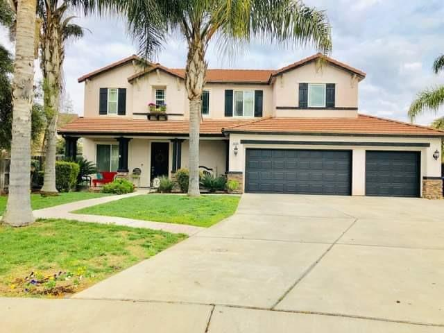 2858 15th Court, Kingsburg, CA 93631 (#523947) :: FresYes Realty