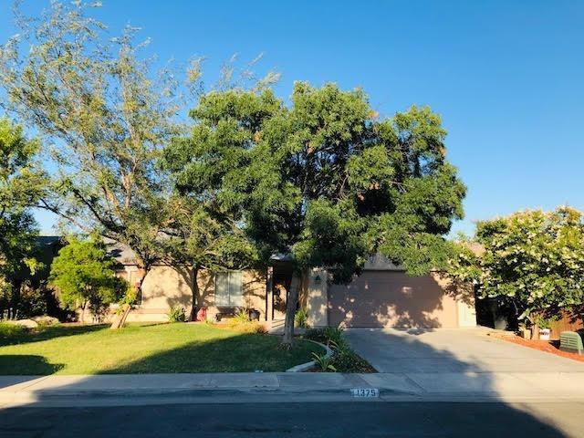 1375 Echo Lane, Hanford, CA 93230 (#525466) :: FresYes Realty