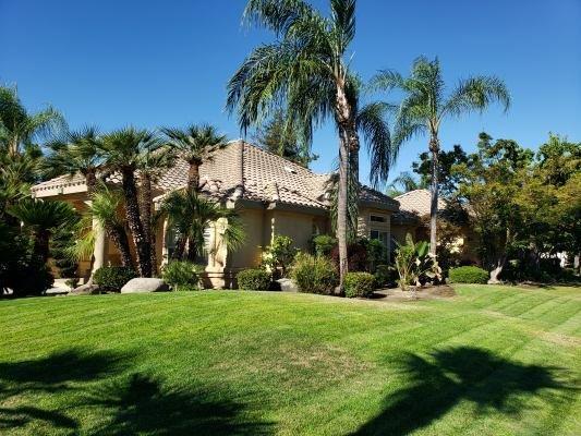 505 S Boyd Drive, Kerman, CA 93630 (#526730) :: Raymer Realty Group
