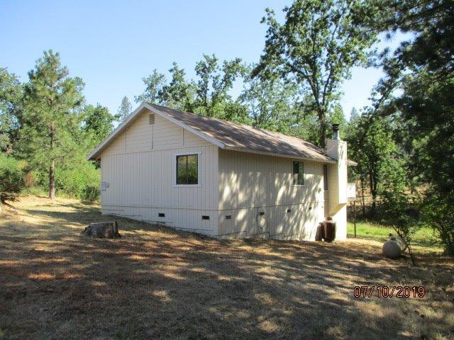 33960 Shaver Springs Rd Road, Auberry, CA 93602 (#526799) :: Realty Concepts