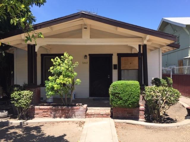 3847 E Iowa Avenue, Fresno, CA 93702 (#528455) :: Raymer Realty Group