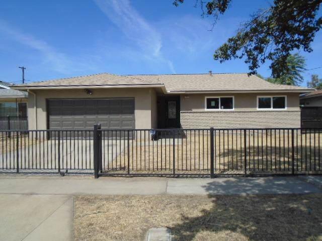 2319 N Garden Avenue, Fresno, CA 93703 (#529484) :: FresYes Realty