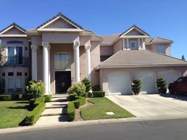 553 E Chesapeake Circle, Fresno, CA 93730 (#530301) :: FresYes Realty