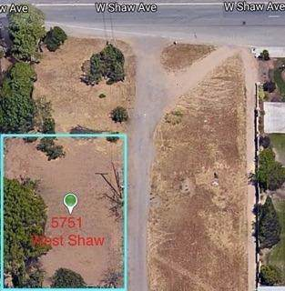 5751 W Shaw Avenue, Fresno, CA 93722 (#530530) :: FresYes Realty