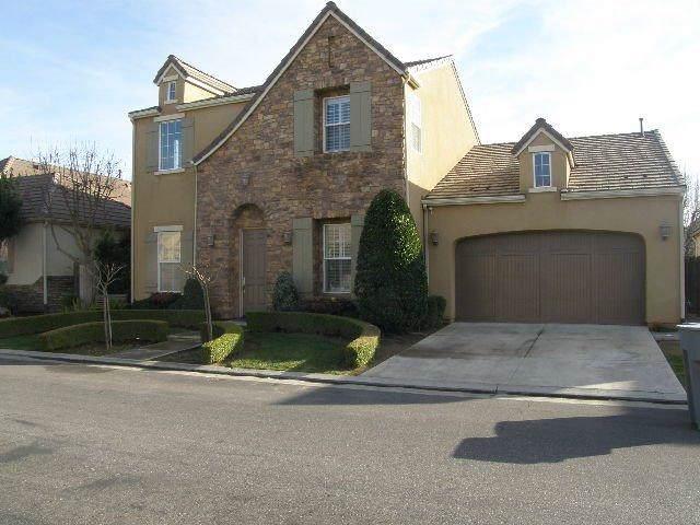 66 W Prescott Avenue, Clovis, CA 93619 (#530822) :: FresYes Realty