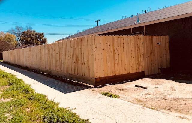 1931 E Lorena Avenue, Fresno, CA 93706 (#531434) :: FresYes Realty