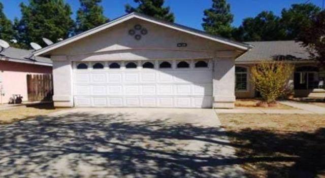 2353 S Karen Avenue, Fresno, CA 93725 (#531847) :: FresYes Realty
