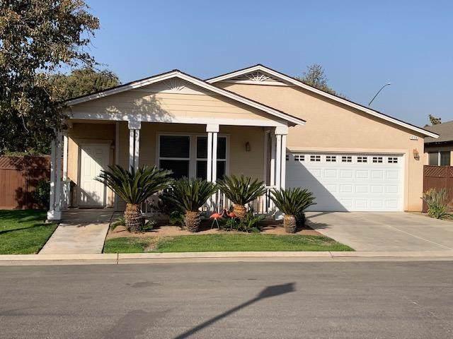 379 Birch Lane, Dinuba, CA 93618 (#532890) :: FresYes Realty