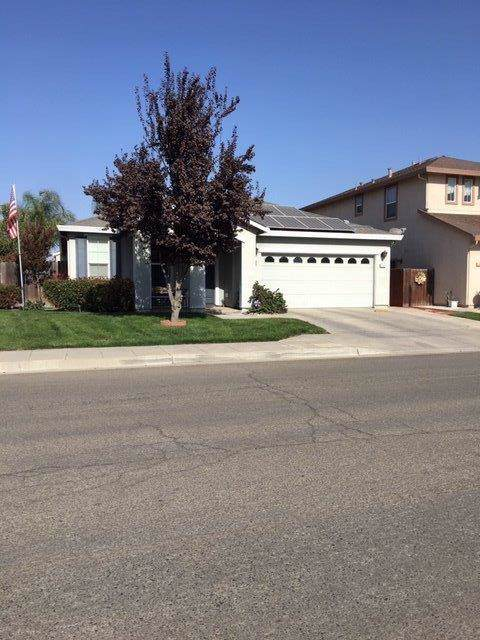 300 Pine Court, Chowchilla, CA 93610 (#533550) :: FresYes Realty