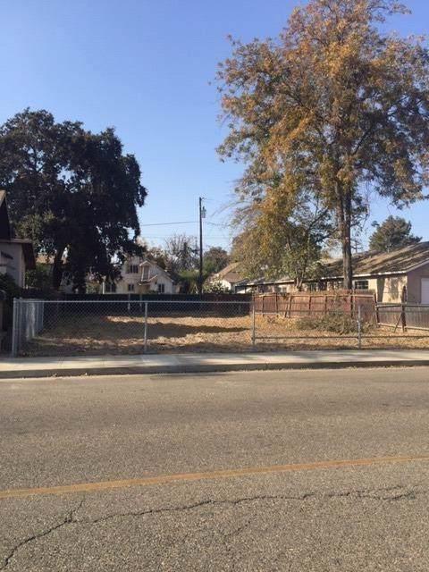 2325 Orange Avenue, Selma, CA 93662 (#533723) :: FresYes Realty