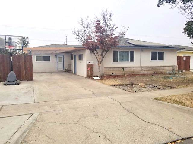 4547 N Price Avenue, Fresno, CA 93726 (#534467) :: Your Fresno Realtors | RE/MAX Gold