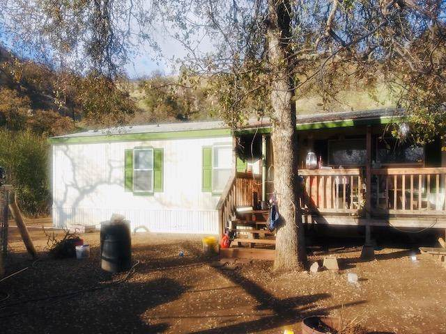 37763 Clearview Lane, Squaw Valley, CA 93675 (#535108) :: FresYes Realty
