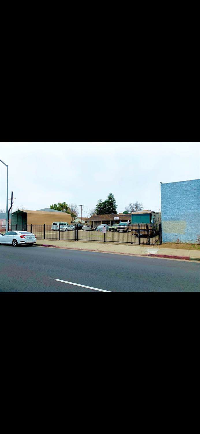 4737 Belmont Avenue - Photo 1