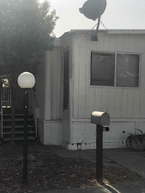 1272 Villa Ave #74, Clovis, CA 93612 (#535856) :: FresYes Realty