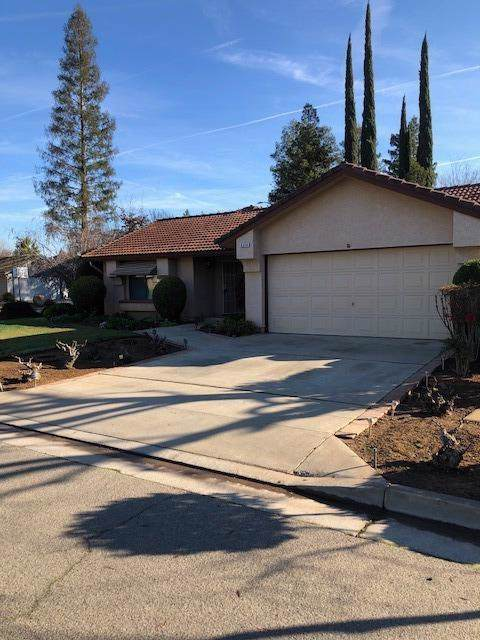 6546 N Pima Avenue, Fresno, CA 93722 (#536445) :: Twiss Realty