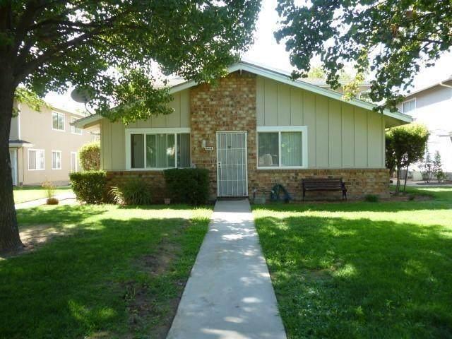 4969 N Holt Avenue #102, Fresno, CA 93705 (#537433) :: Twiss Realty