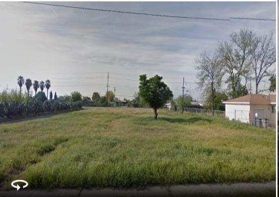 416 E Garrett Avenue, Fresno, CA 93706 (#537478) :: Twiss Realty