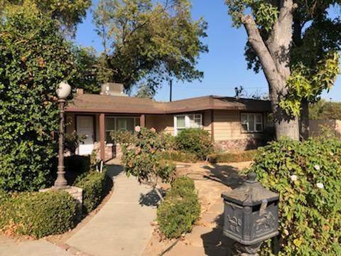 4691 N Farris Avenue, Fresno, CA 93704 (#539610) :: FresYes Realty