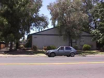 3485 Marks Avenue, Fresno, CA 93722 (#539838) :: FresYes Realty