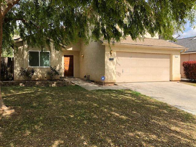 3450 W Dovewood, Fresno, CA 93711 (#540550) :: Raymer Realty Group