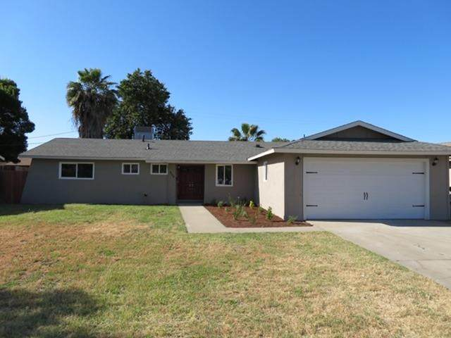 908 E Elm Street, Hanford, CA 93230 (#541165) :: Raymer Realty Group
