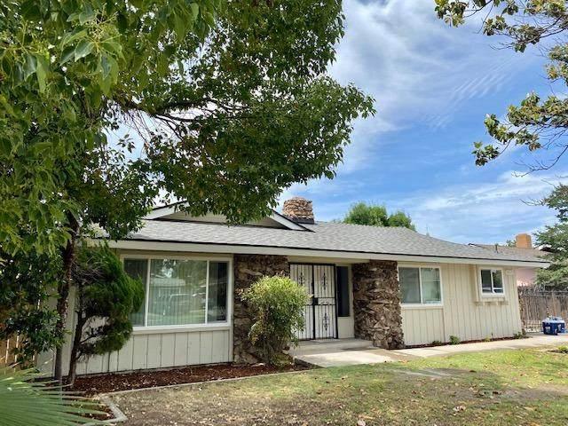 3019 E Donahoo Street, Fresno, CA 93721 (#542577) :: FresYes Realty