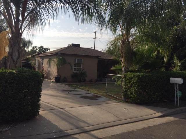 2454 S Woodrow Avenue, Fresno, CA 93725 (#548379) :: FresYes Realty