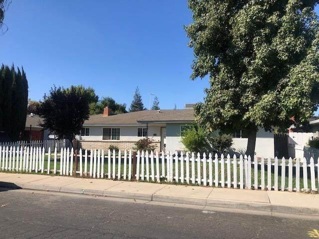 2809 Hillcrest, Atwater, CA 95301 (#549580) :: Dehlan Group