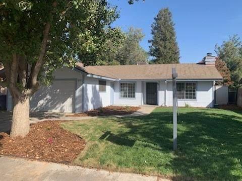 6574 N Bendell Avenue, Fresno, CA 93722 (#550146) :: FresYes Realty
