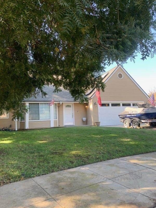 1342 Douglas Avenue, Clovis, CA 93611 (#550343) :: Your Fresno Realty | RE/MAX Gold
