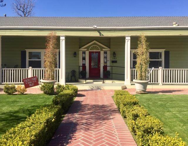 2485 Spruce, Bakersfield, CA 93301 (#556296) :: Raymer Realty Group