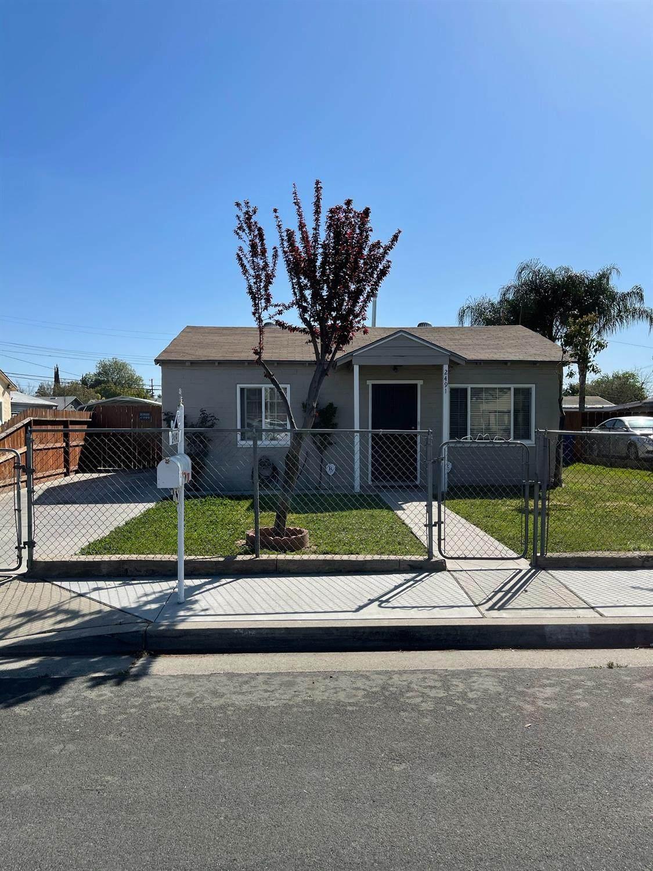 2491 Woodrow Avenue - Photo 1