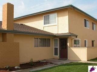 460 W Alamos Avenue #2, Clovis, CA 93612 (#558888) :: Your Fresno Realty | RE/MAX Gold