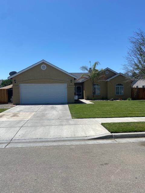 1459 Noble, Lemoore, CA 93245 (#560211) :: Raymer Realty Group