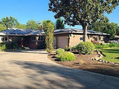 5137 N Del Mar Avenue, Fresno, CA 93704 (#561182) :: Raymer Realty Group