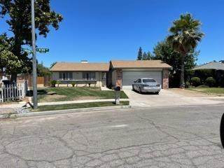 3878 N Renn Avenue N, Fresno, CA 93727 (#561429) :: Raymer Realty Group