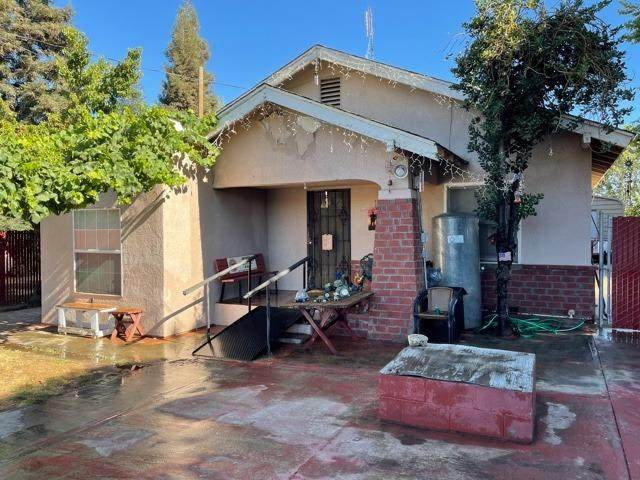9885 W Barstow Avenue, Fresno, CA 93723 (#562138) :: Raymer Realty Group