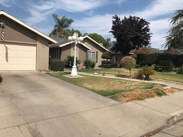 2137 S Hall Street, Visalia, CA 93277 (#563947) :: Raymer Realty Group