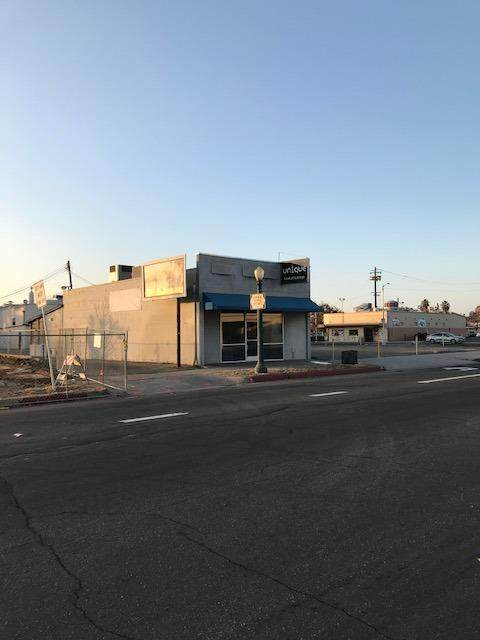 1141 N Van Ness Avenue, Fresno, CA 93728 (#564826) :: Raymer Realty Group