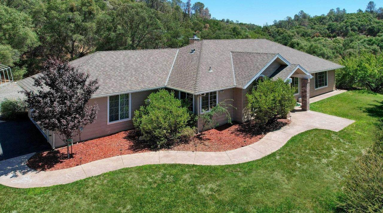 46911 Veater Ranch Road - Photo 1