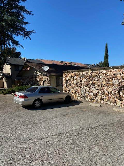 48960 River Park Road Road, Oakhurst, CA 93644 (#568195) :: Raymer Realty Group