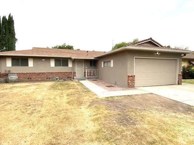 4578 N Meridian Avenue, Fresno, CA 93726 (#568457) :: Raymer Realty Group