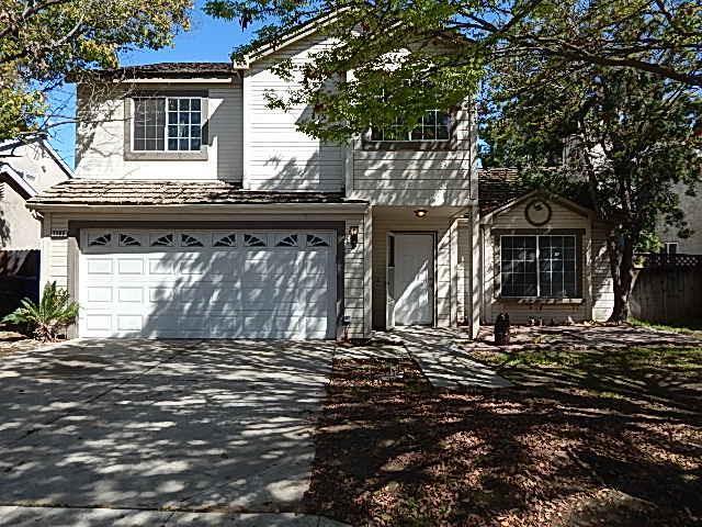 3388 N Dewey Avenue, Fresno, CA 93722 (#499407) :: FresYes Realty