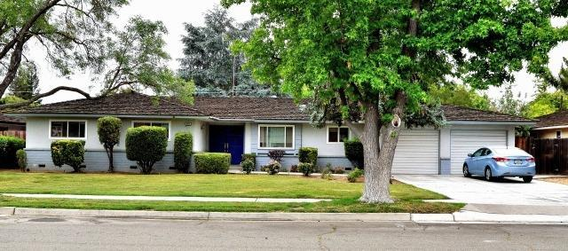 654 W Celeste Avenue, Fresno, CA 93704 (#506551) :: FresYes Realty
